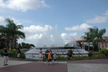 12.3:350:233:0:0:Founten in EPCOT:right:1:1::0: