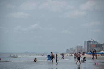 7.4:350:233:0:0:デイトナビーチ:right:1:1:デイトナビーチの風景:0: