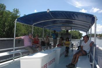 15.8:350:233:0:0:ポンツーンボート at フラミンゴ:right:1:1:フラミンゴのガイドツアー:0: