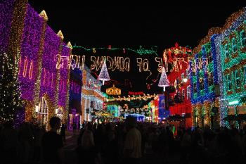 21.3:350:233:0:0:The Osborne Family Spectacle of Dancing Lights:right:1:1:The Osborne Family Spectacle of Dancing Lights:0: