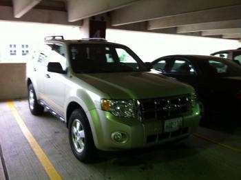 13.7:350:261:0:0:フォードのエスケープ:right:1:1:今回の滞在で利用するレンタカー(フォードのエスケープ):0: